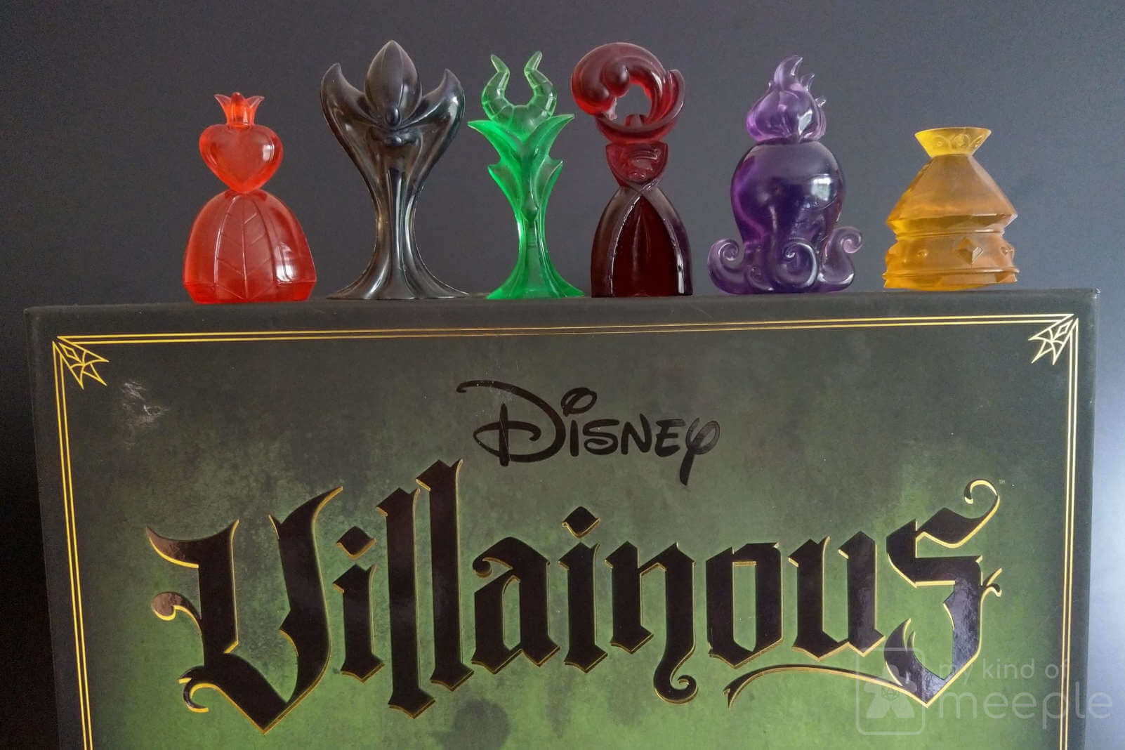 Disney Villainous base characters on box