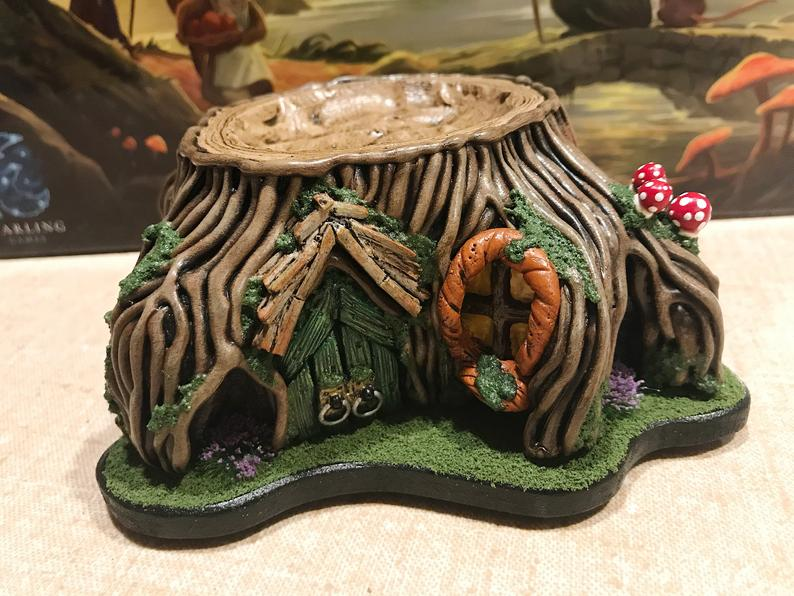 Everdell personal resource holder. Image credit: SmokingSardine on Etsy.